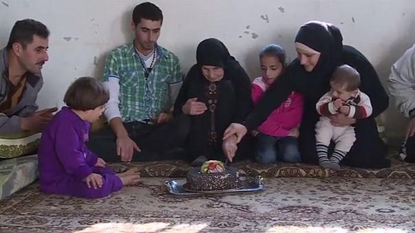 لاجئة سورية تحتفل بعيد ميلادها المئة في لبنان وتحلم بالعودة الى الوطن
