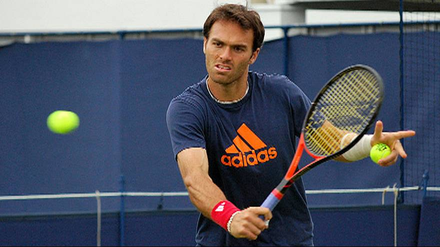 Triumphant comeback for British tennis star Ross Hutchins after cancer battle