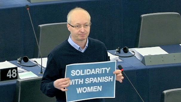 European parties denounce plans to tighten Spain's abortion laws