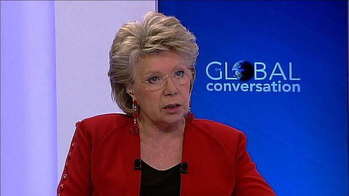 Espionnage : V. Reding veut restaurer la confiance entre Européens et Américains