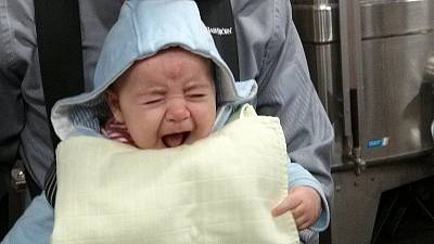 Les bébés font semblant de pleurer pour attirer l'attention