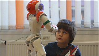 """""""Rene"""", el robot que ayuda a niños con autismo"""