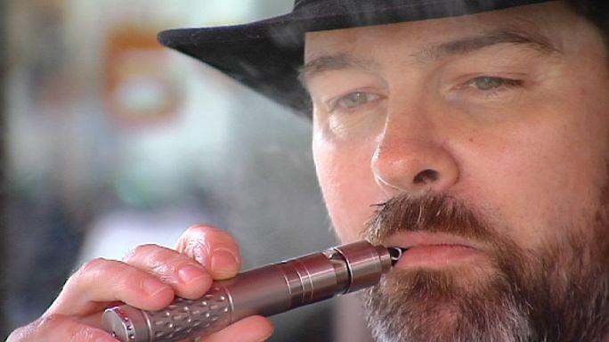 """Streit um E-Zigarette: """"Harmlos wie Obst und Früchte"""""""