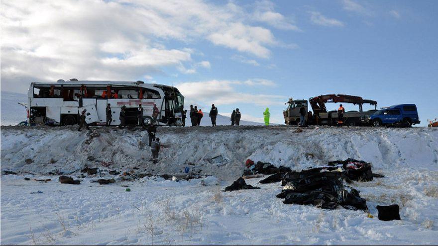 Halálos buszbaleset Törökországban