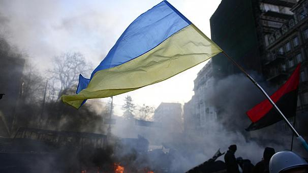 Ukraine (Live coverage):  Yanukovych promises changes to government and contested law