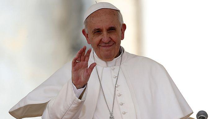 Vatican : l'internet est un « don de Dieu », selon le pape François