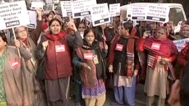 Külön bíró vizsgálja az újabb csoportos nemi erőszak ügyét Indiában