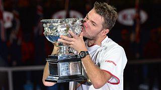 Wawrinka gana su primer Grand Slam ante un Nadal lesionado
