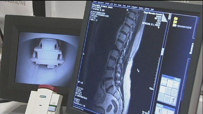 Сканнер вместе биопсии костного мозга