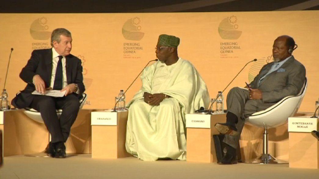 Empresários e políticos discutem a economia da Guiné Equatorial, em Malabo