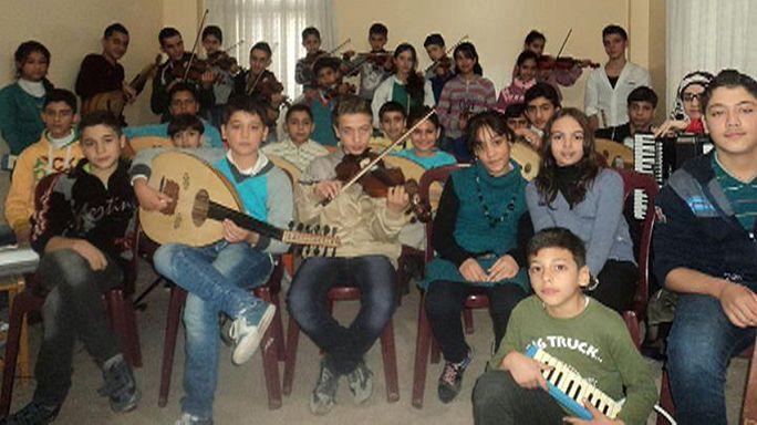A szépség és a béke zenekara a háború sújtotta Szíriából