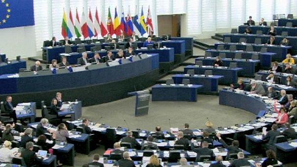 Szankciókat sürget az Európai Parlament az ukrán vezetők ellen