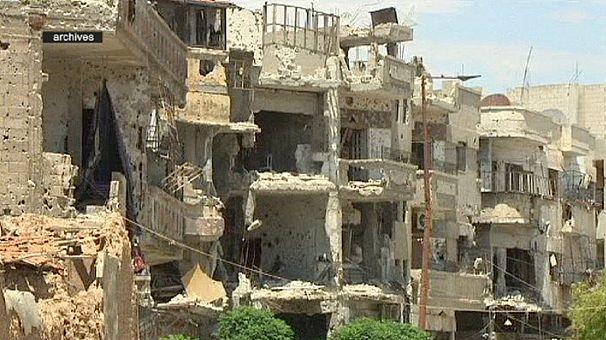 Kuşatma altındaki Humus'a insani yardım götürülmesine izin verildi