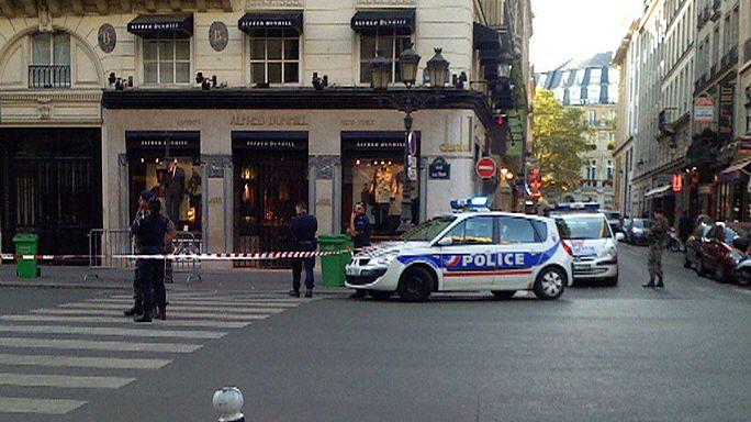 Французы такие французы: парижский грабитель попался из-за поцелуя