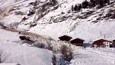 Giant avalanche filmed in Italy – nocomment