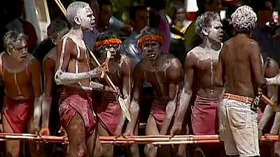Australia: PM Abbott to spend week in aboriginal settlement