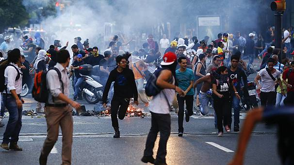 Venezuela: Several shot dead in anti-government street protests