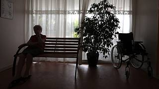 Alzheimer, dépendance : un projet de loi après dix ans de piétinement