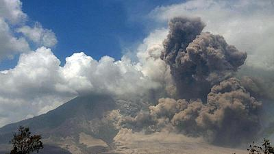 Volcano erupts in Indonesia: 76,000 evacuated, most of Java's airports shut