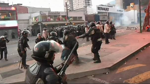 Tensions rise in Venezuela as pro and anti-government activists take to streets of Caracas