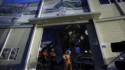 Building collapse at South Korean resort kills 10 - Video
