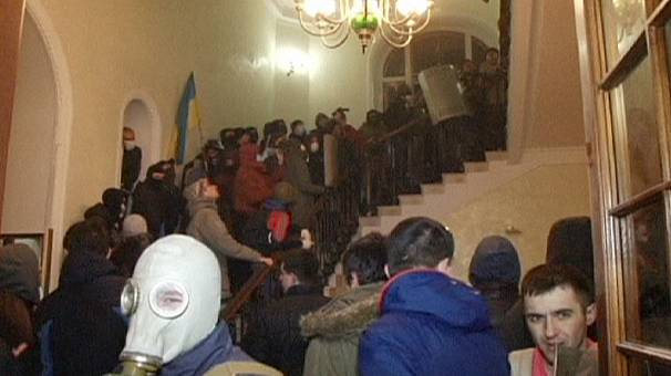 Unrest spreads to other Ukrainian cities in the west