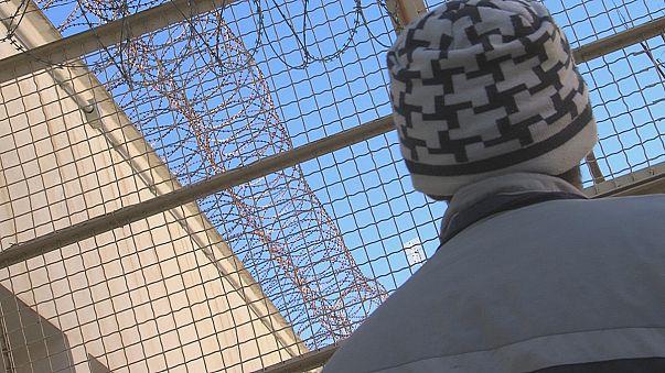التعليم يتحدى القضبان