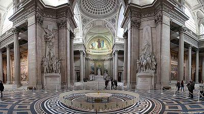 Panthéon : Entrez ici G.de Gaulle, G.Tillion, J.Zay et P.Brossolette