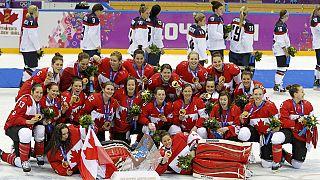 Sotchi : Obama et Harper parient des bières sur les matchs de hockey