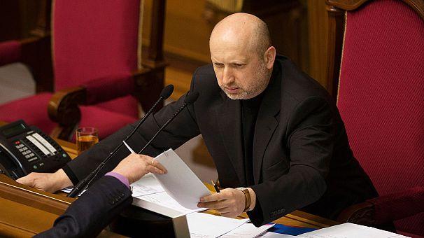 Ucrânia: Tourtchinov adia formação do Governo e discute o separatismo