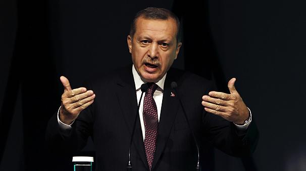 Calls for Turkey PM Recep Tayyip Erdogan to resign in leaked tape scandal