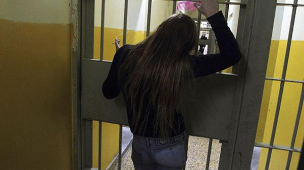 UK: Female prisoners 'coerced into sex for cigarettes and alcohol'