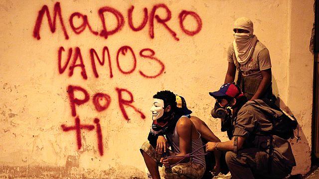 رئيس فنزويلا يمد يده إلى المعارضة