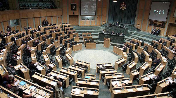 عشرات النواب في الاردن يقترحون الغاء معاهدة السلام مع اسرائيل