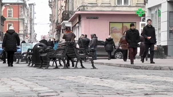 Ukraine: show of solidarity as nationalist stronghold Lviv speaks Russian for a day
