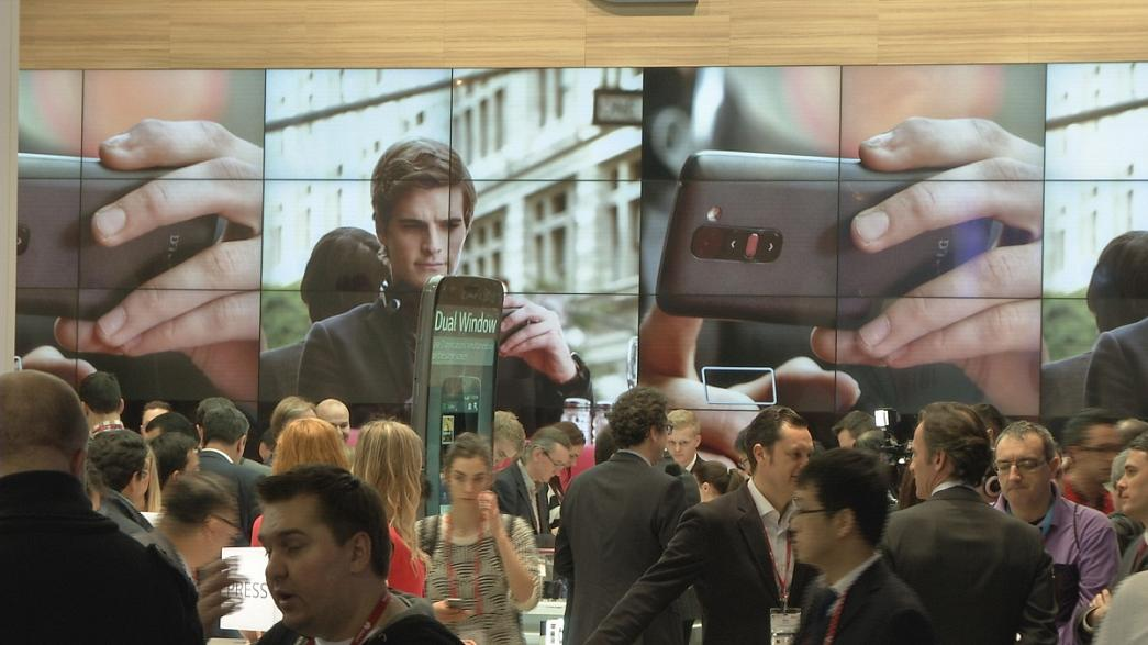 Barcellona: Alla mega fiera della telefonia mobile