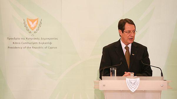 Dimiten todos los ministros en Chipre para facilitar remodelación de Gobierno