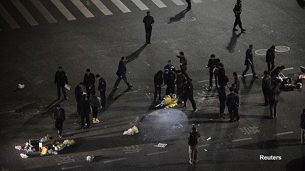 Κίνα: 27 νεκροί από επίθεση με μαχαίρια σε σιδηροδρομικό σταθμό