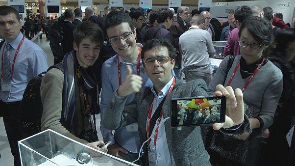 Форум в Барселоне: зубная щётка с доступом в Сеть и другие новинки