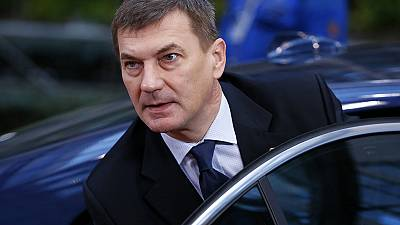 Estonian prime minister resigns ahead of 2015 elections