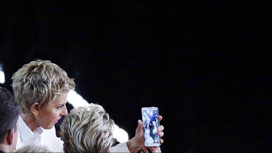 Samsung denies Oscars 2014 'selfie' was just a marketing stunt
