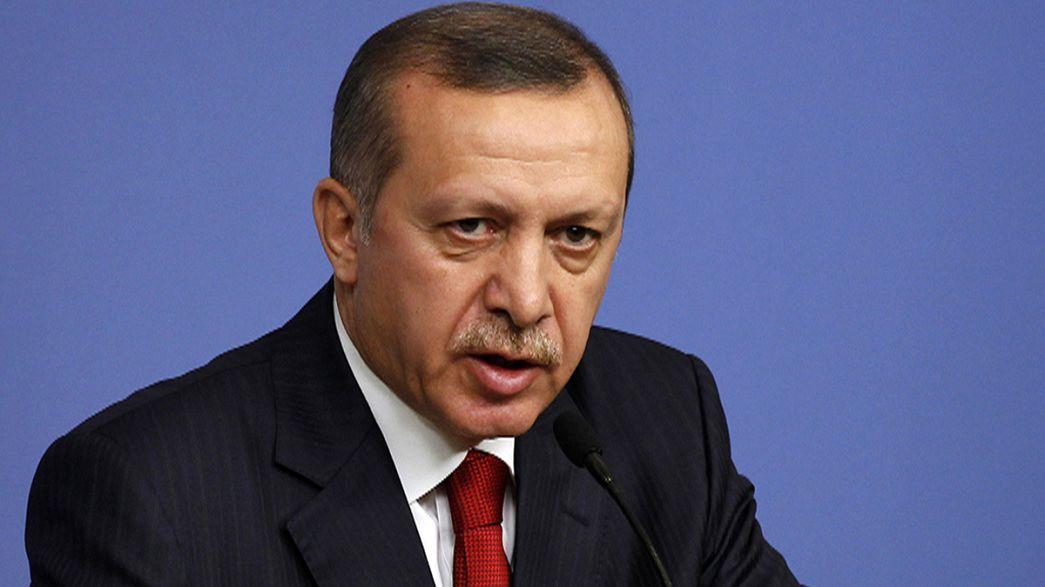 Турецкий премьер пригрозил запретить YouTube и Facebook