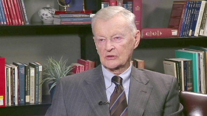 """Zbigniew Brzezinski : """"Poutine veut reconstruire l'URSS, avec l'Ukraine"""""""