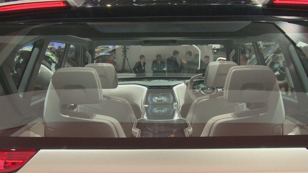 Genfer Autosalon blickt in die Zukunft