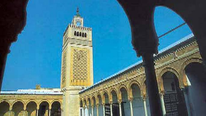 جامع الزيتونة الشهير في تونس يرفض برنامجا حكوميا لتحييد المساجد