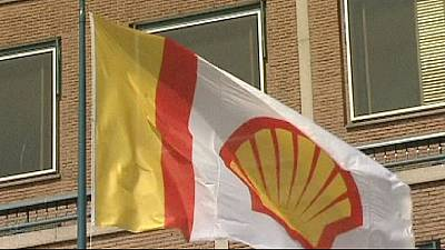Shell cuts spending, to sell some shale assets