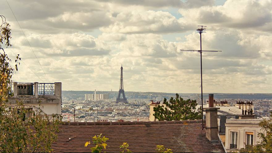 France: Paris makes all public transport free in bid to cut spiralling pollution