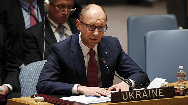 Ukraine: Yatsenyuk calls on Russia to pull troops out of Crimea