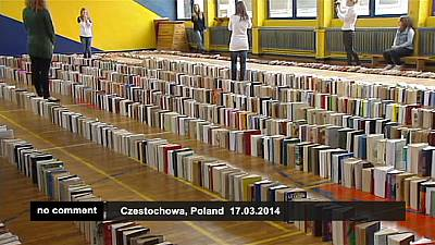 Poland breaks book domino chain world record – nocomment