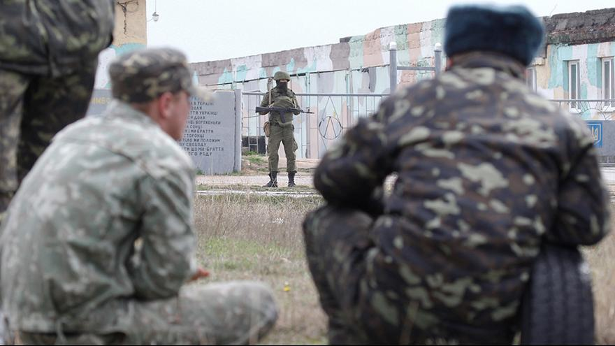 Ukrainian PM accuses Russian soldiers of 'war crime' after serviceman killed in Crimea